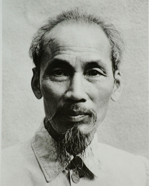 Ho_Chi_Minh_1946_and_signature_(cropped)